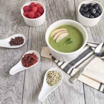 Kale Breakfast Smoothie Bowl