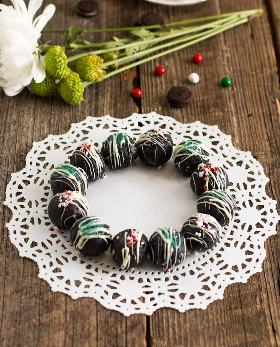 oreo-cookie-balls-holiday