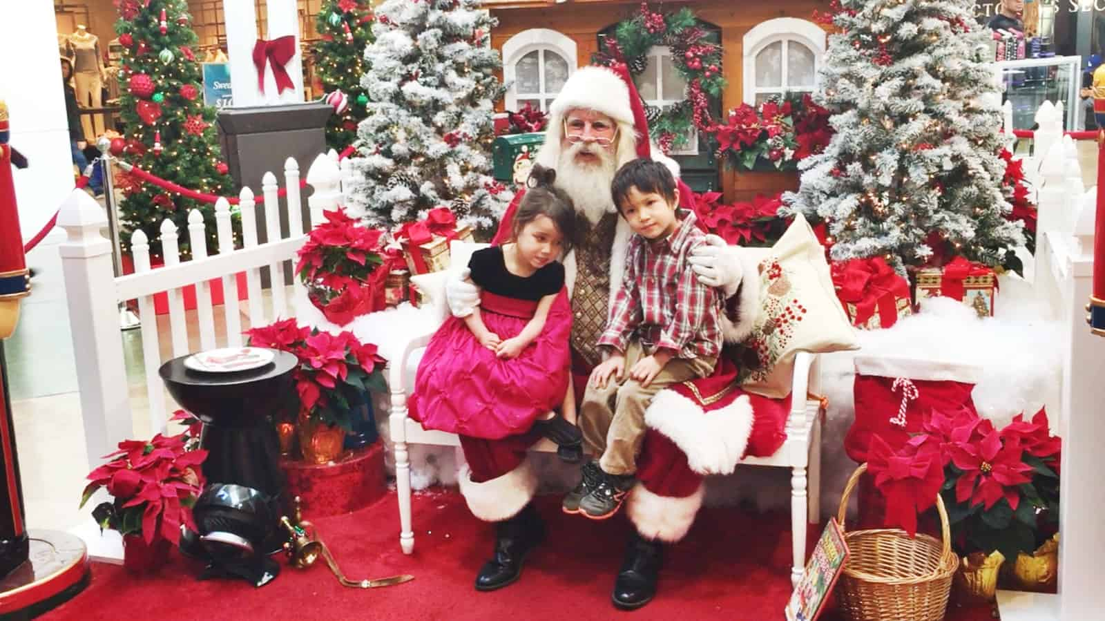 Santa Clause Ontario Mills