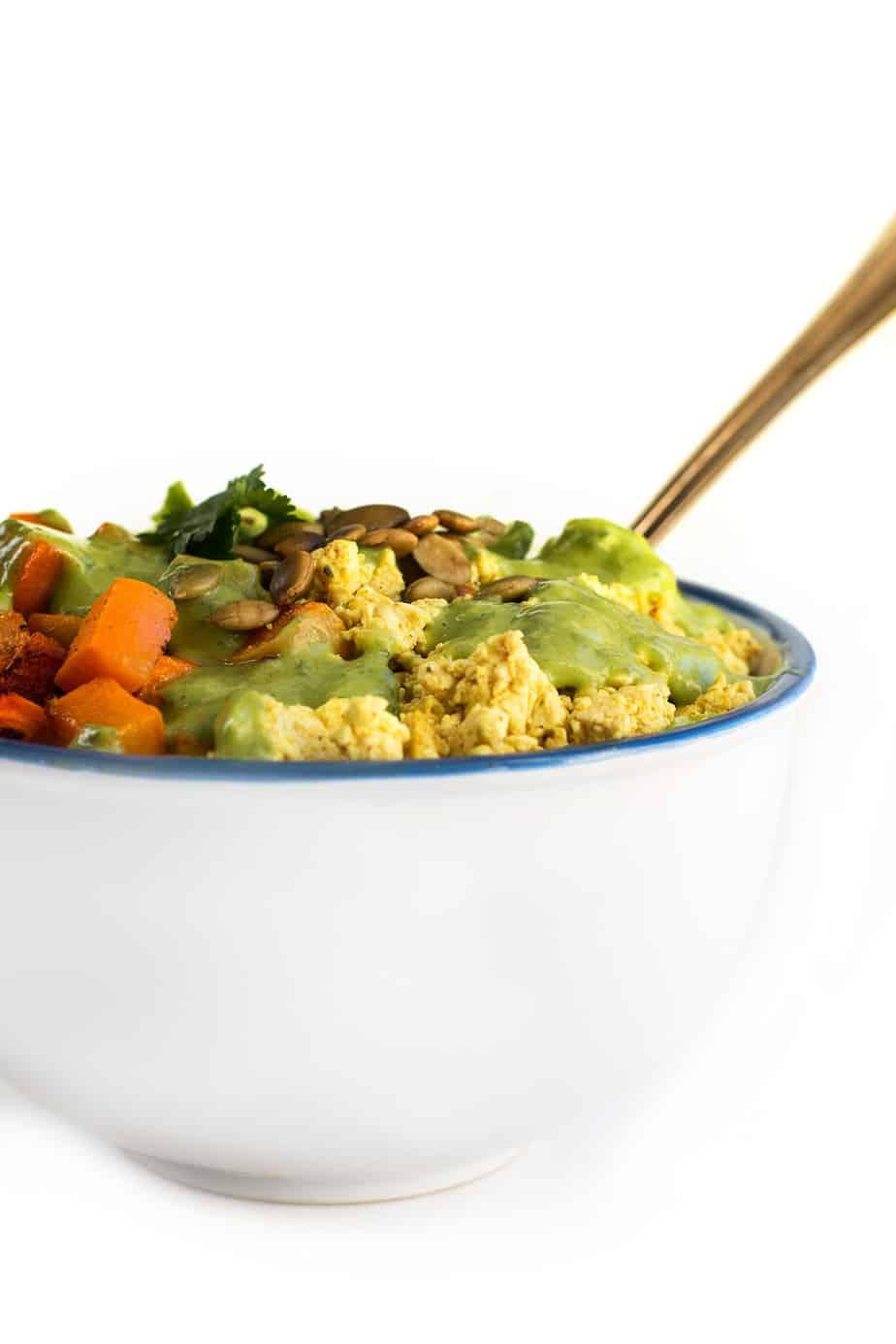 best-tofu-scramble-recipe-turmeric-salad-8