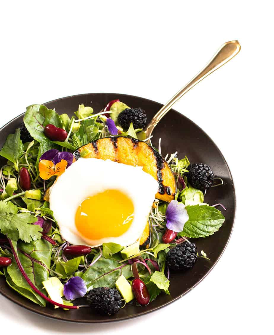 breakfast egg mixed green salad