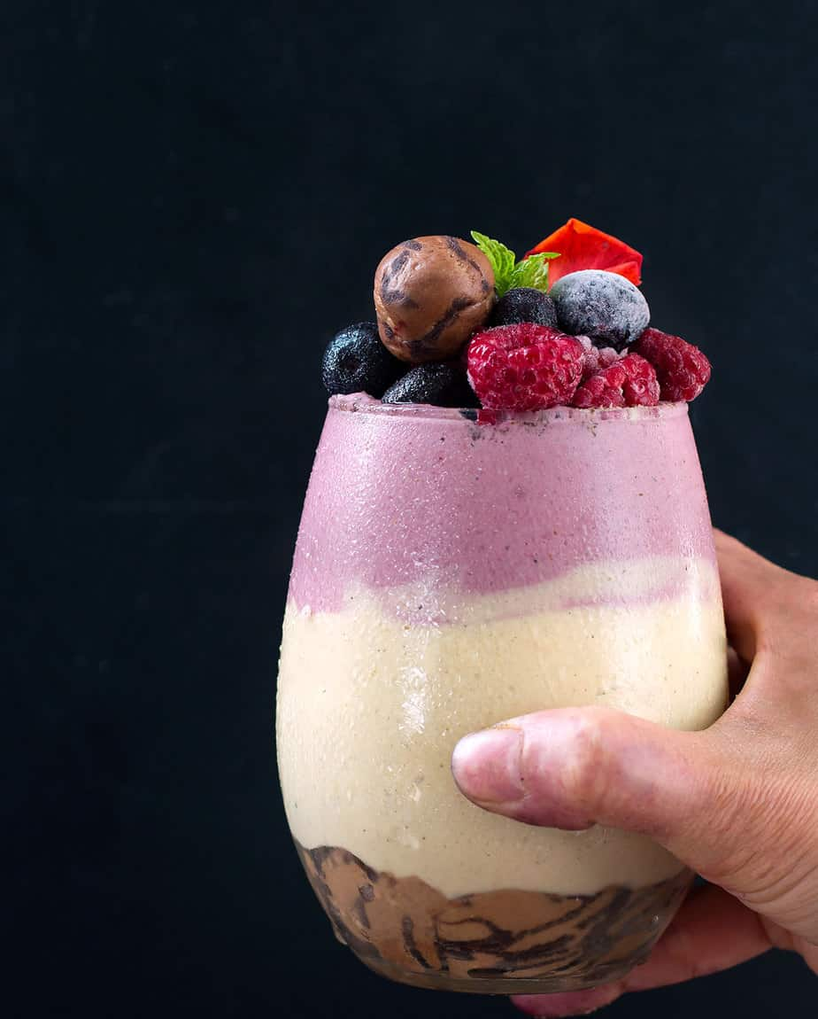 Chocolate-Chip-Cookie-Dough-protein-smoothie-recipe-9