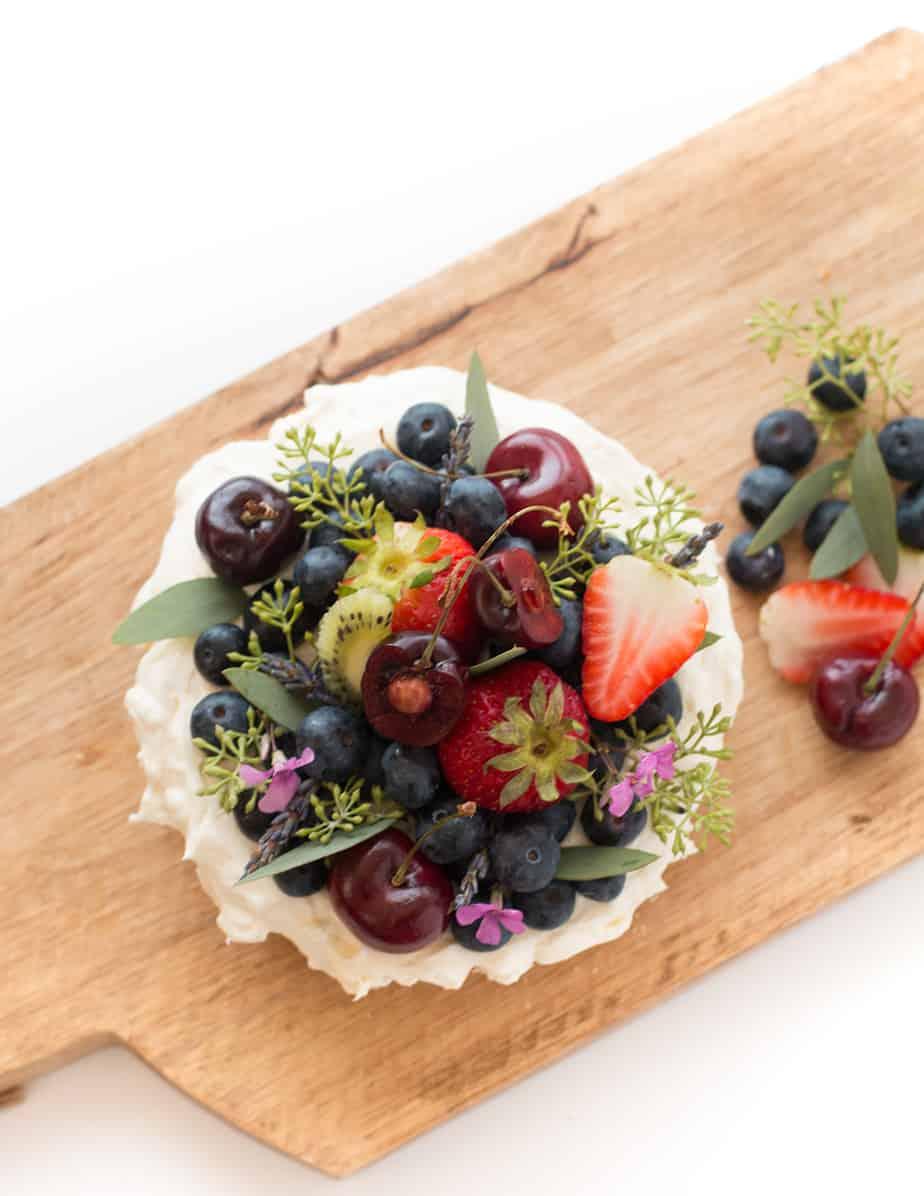 easy-vanilla-cake-cream-cheese-frosting-02