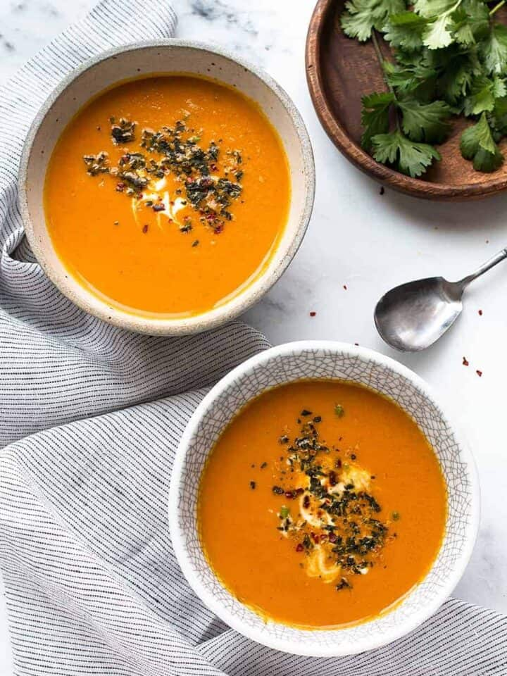 easy-healthy-curried-carrot-soup-recipe