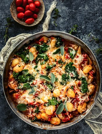 potato gnocchi recipe with prosciutto and kale