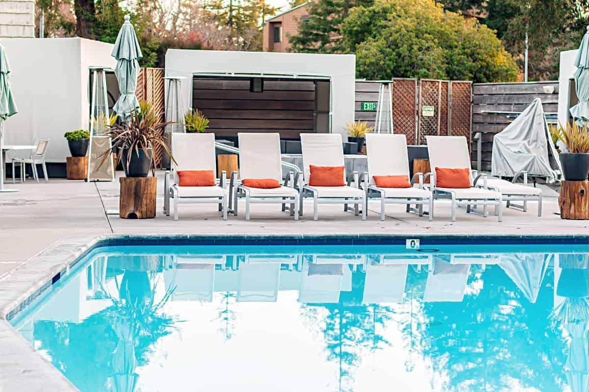 hotel paradox pool area