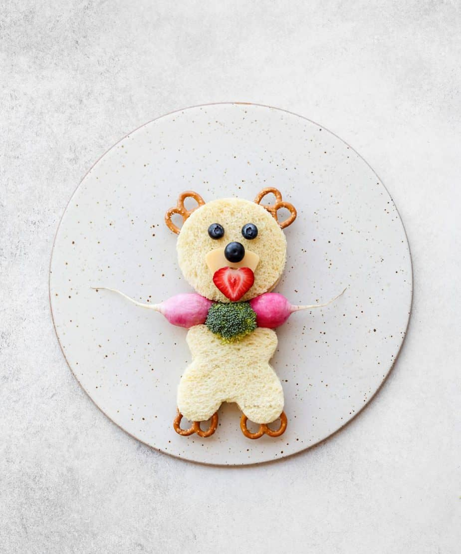 Panda Peanut Butter and Jelly Sandwich Smuckers. Cute sandwich ideas.