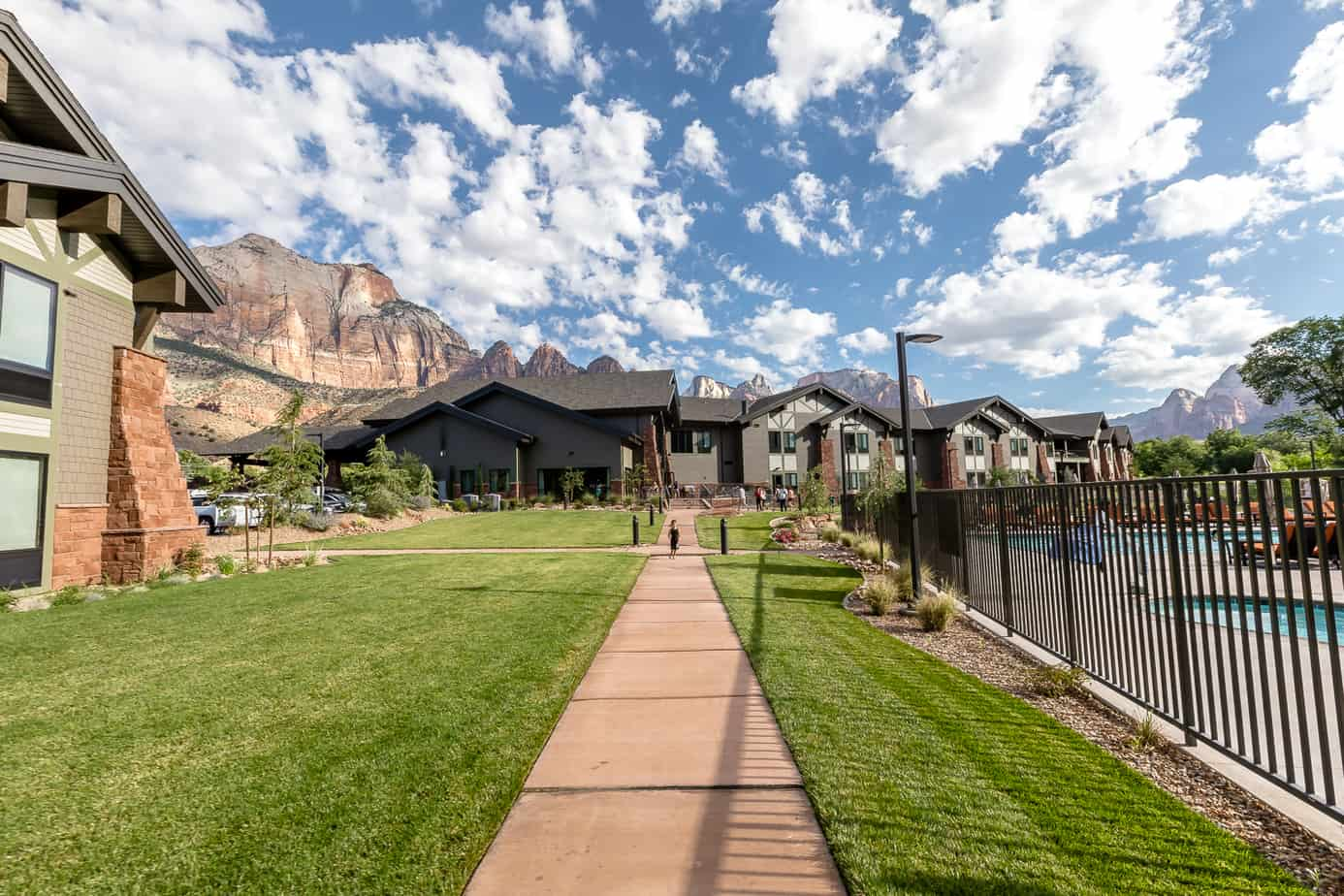 best place to stay for zion national park. SpringHIll Suite springdale review.