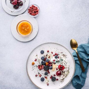 How to Build Yogurt Parfaits