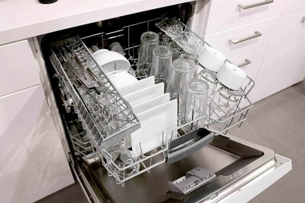 The new 100 Series from Bosch: Dishwashers that are Loaded with Features