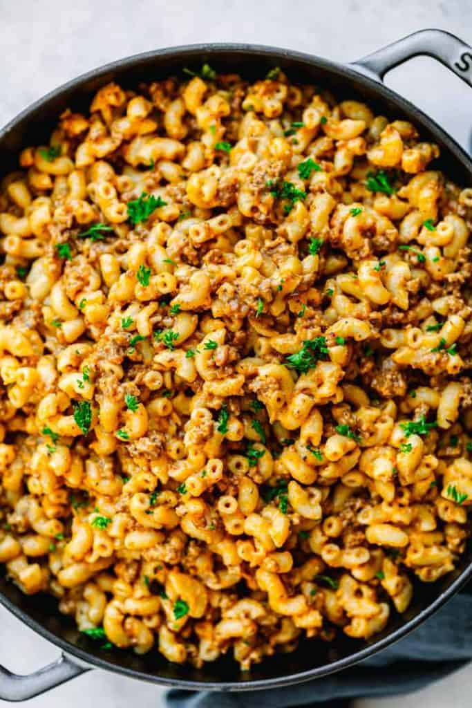 Creamy and Cheesy Ground Beef and Macaroni