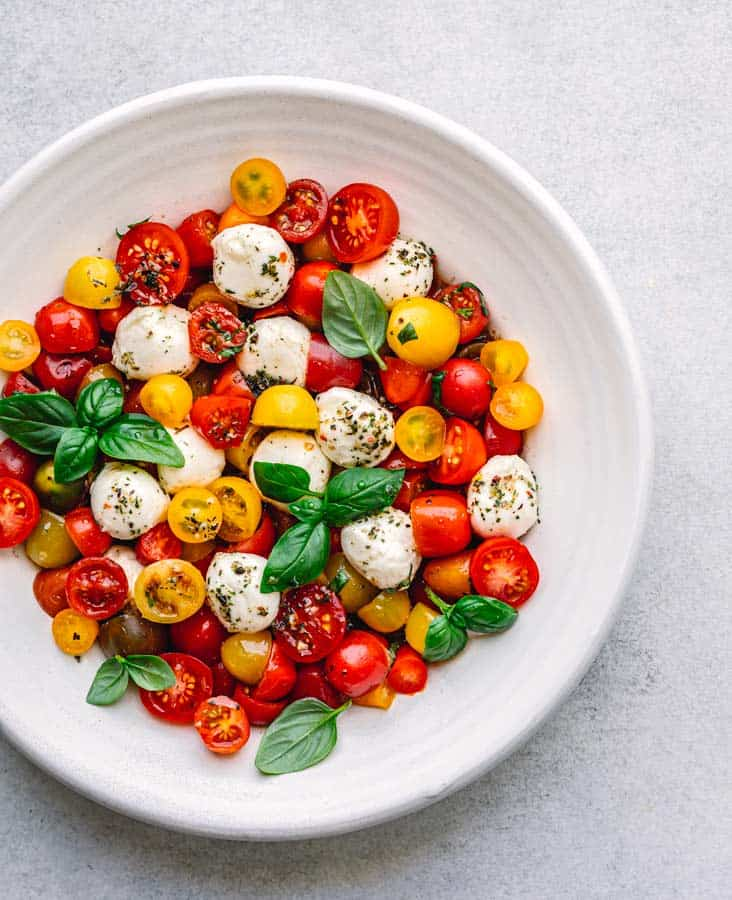 Caprese Salad Recipe with Tomato and Mozzarella