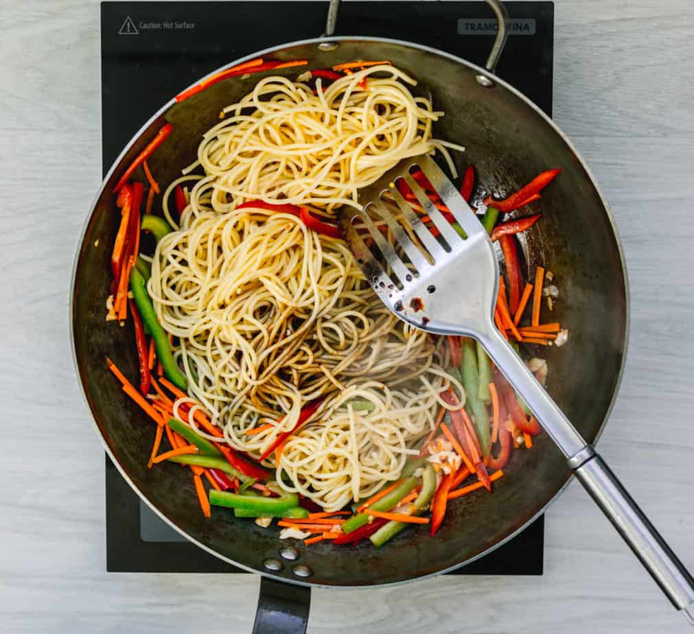 How to Make Thai Noodles