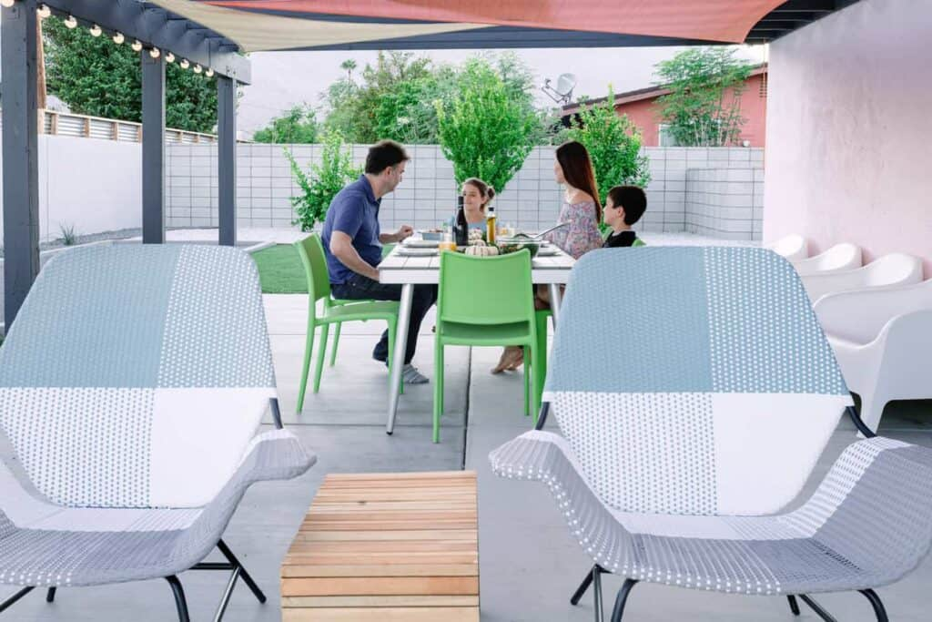 Vacasa Outdoor Dining