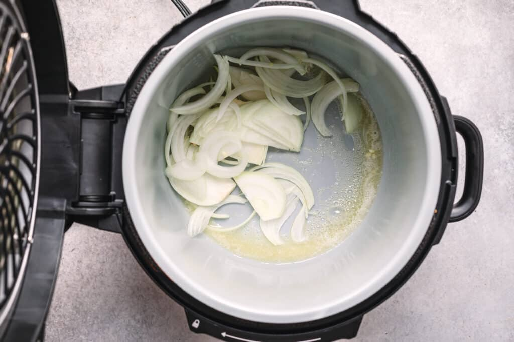 How to Cook Gravy in a Pressure Cooker or Ninja Foodi