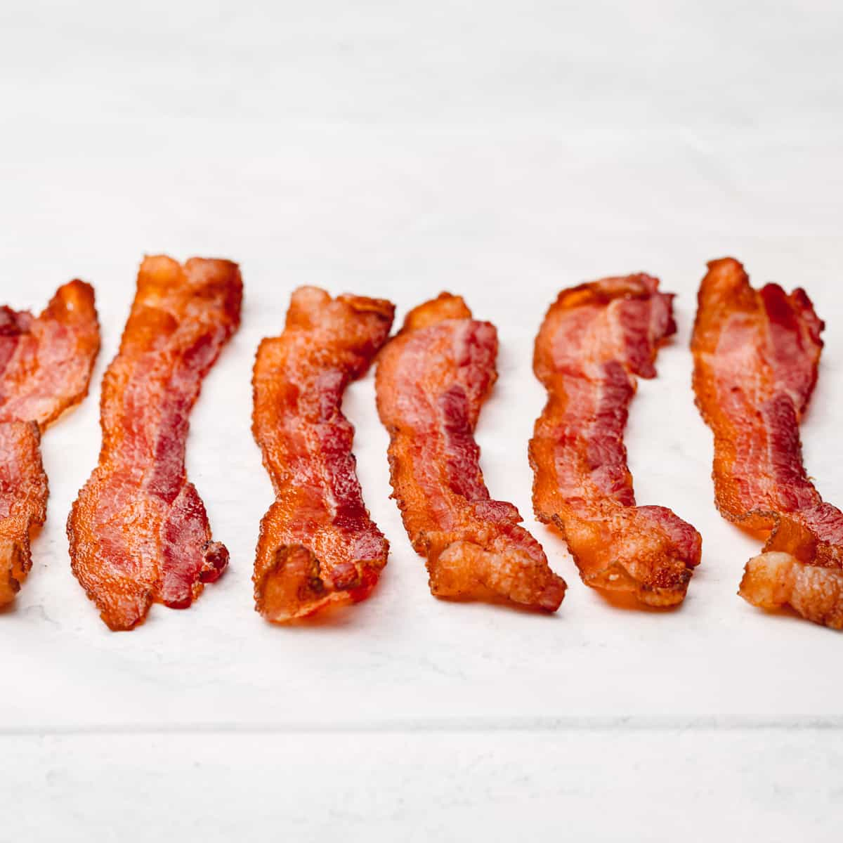How to cook bacon in an air fryer.
