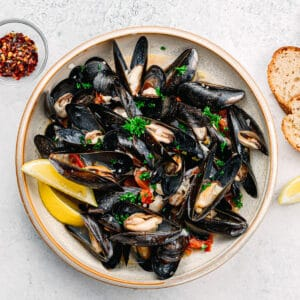 Instant Pot Mussels with White Wine Sauce