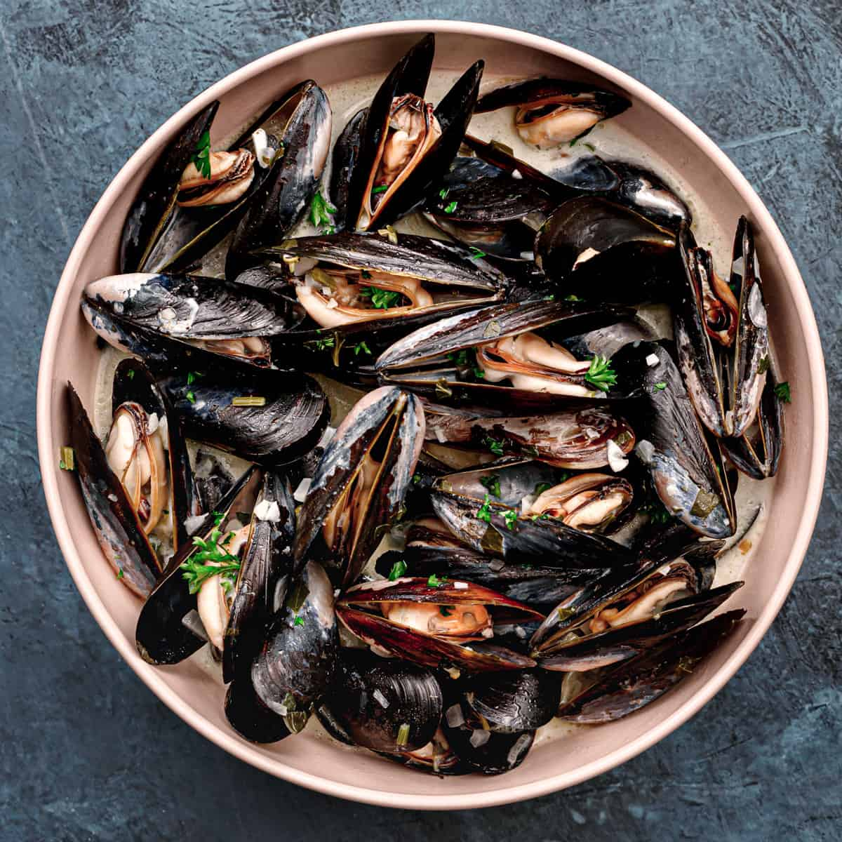 How to Cook Mussels ala Moules Marinieres