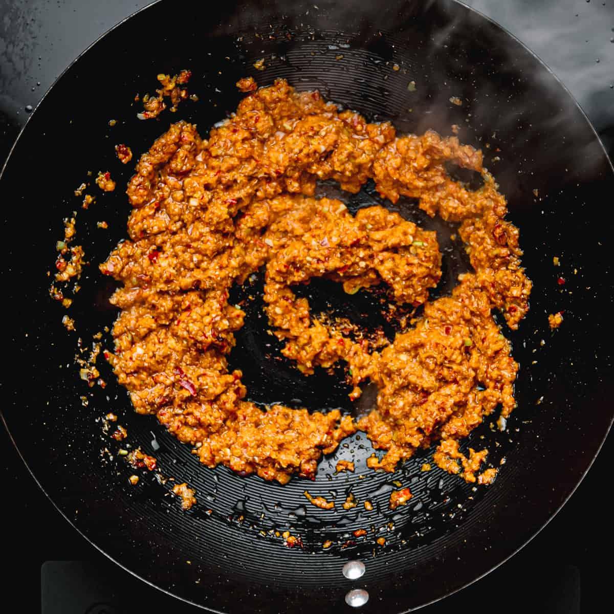 A good recipe for laksa paste.