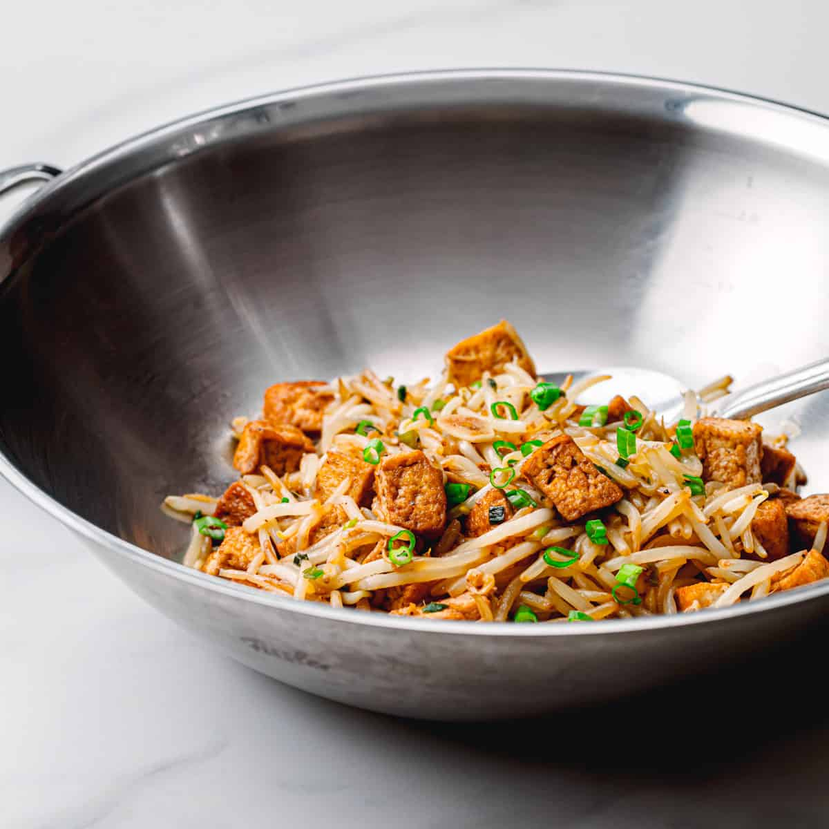Learn how to stir fry bean sprout.
